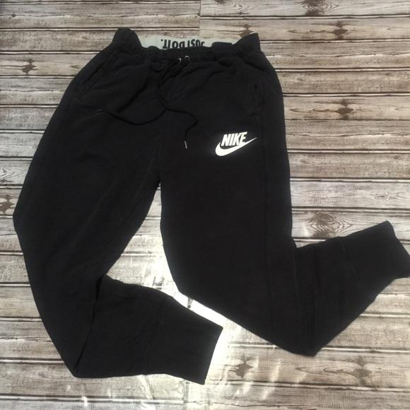 Nike • Big Swoosh Jogger Sweatpants. M 5b9098bc5bbb809cb7401ed9 f6cfe38bdda